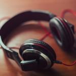 Zusammen Musik hören ist eine schöne Geschenk Idee