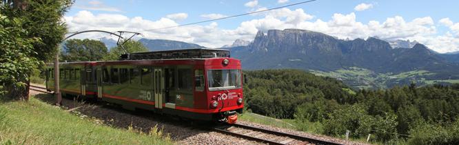 Die Rittner Schmalspurbahn verbindet die Orte zwischen Klobenstein und Oberbozen